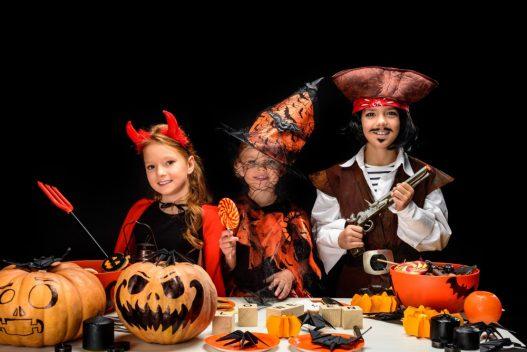 Børn i halloween kostume